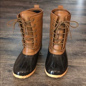 Sporto Ariel Womens Duck Boot size 7.5